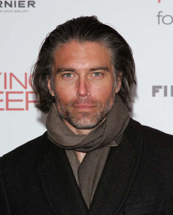 Anson Mount  otro candidato para ser Batman en Batman SupermanAnson Mount Batman