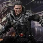 Figura de Zod de Hot Tos basada en El Hombre de Acero