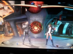 Zatanna y Zod en Injustice: Gods Among Us