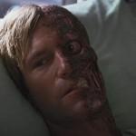 Aaron Eckhart como Dos Caras